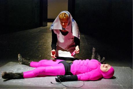 Kaddiš za mrtvou násilnickou hračku