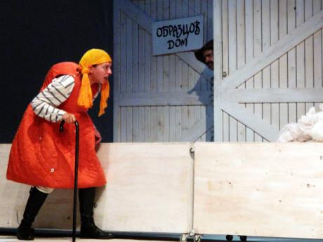 Studenti ze Sofie budou hrát Brechtův Kavkazský křídový kruh. FOTO archiv festivalu
