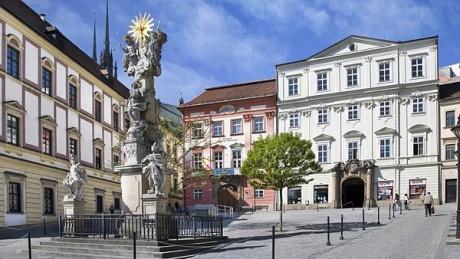Dům pánu z Fanálu, dnes Divadlo Husa na provázku a náměstíčko před ním. FOTO archiv