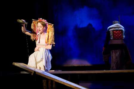 Představení Zlatovláska v divadle Minor představuje klasiku neklasickou formou. FOTO archiv Divadla Minor
