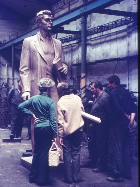 Socha Julia Fučíka od sochaře Miloše Axmana. FOTO archiv