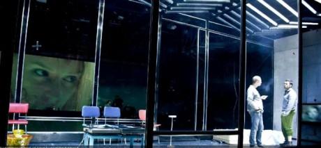 Scénografii /inspirovanou bezesporu Małgorzatou Szćeśniak/ vytvořil Piotr Choromański a sám režisér. FOTO archiv Teatr Polski we Wrocławiu