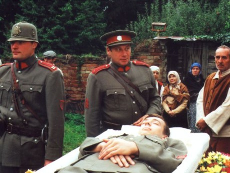 Z druhé řady seriálu (díl Loupežník) točeného v roce 2000. FOTO archiv ČT
