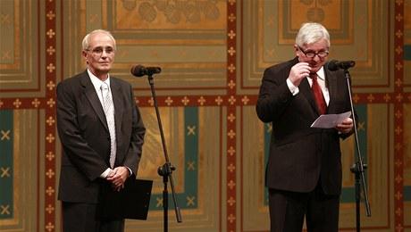 Jan Burian a Jiří Rusnok na jevišti ND. FOTO archiv ND