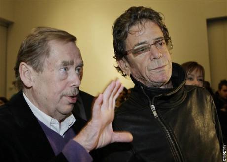 Václav Havel a Lou Reed na Cenách Jindřicha Chalupeckého v Praze 12. listopadu 2009. FOTO JAN ZÁTORSKÝ