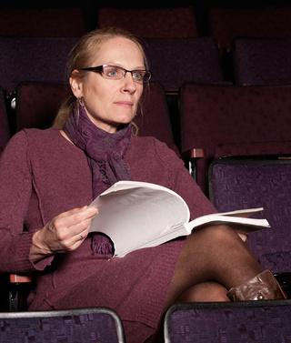 Susan Mach v hledišti portlandského divadla. FOTO NATHANIEL YOUNG