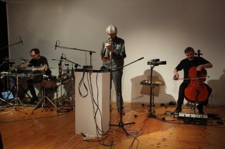Paraneuro (Alex Švamberk, Jarmo Sermilä a Miroslav Posejpal) 1.června 2012 při vystoupení v Praze ve Školské Foto TOMÁŠ REINER