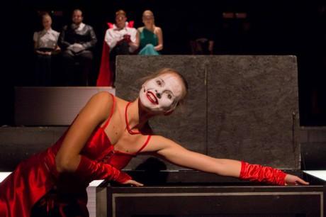Shakespearovo drama jako metafora světa nad propastí. FOTO archiv Studia Marta