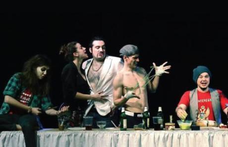 Ve více než úsměvné nespoutané formě, kterou tvůrci nazývají divadelním sitcomem se setkali herci z různých ostravských scén. FOTO archiv souboru