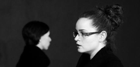 Zdeňka Brychtová v inscenaci Divadla Kámen Deus ex offo. FOTO archiv DK
