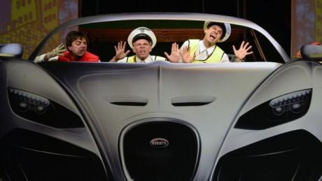 Jízda nejluxusnějším autem na světě se babičce trochu vymkla. FOTO MARTIN ŠPELDA