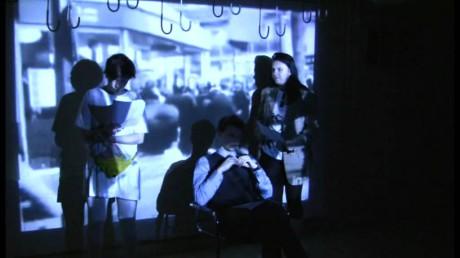 Dcera volala, že v Divadle Krajiny jsou odpoledne klauzury třetího ročníku divadelní fakulty. FOTO Michal Skočovský