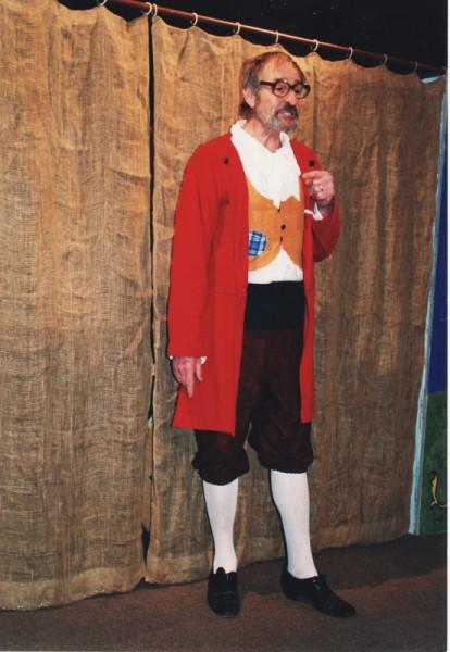 V titulní roli vlastní inscenace hry Mistr Petr Pleticha (2001). FOTO archiv