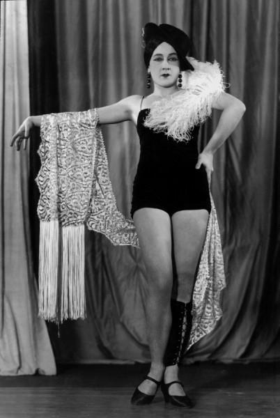 Nina Jirsíková v revui Don Juan a Comp., Osvobozené divadlo, 1931. FOTO Press Photo Service