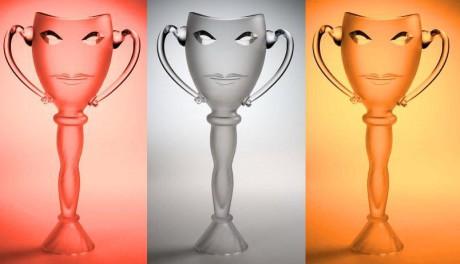 Tradiční ceny Thalie - skleněné vázy z dílny Bořka Šípka. FOTO archiv