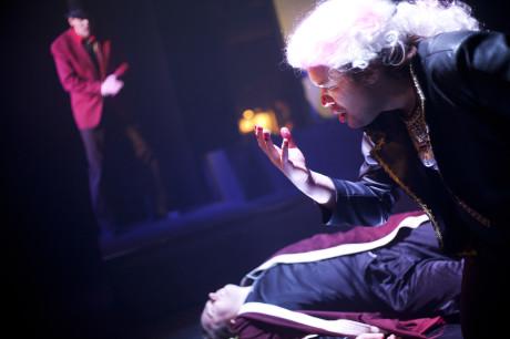Vlevo Martin Frýbort (Leporello), uprostřed Kolja Černyšov (Komtur), vpravo Petr Karas (Don Giovanni). Foto: Jan Dvořák.