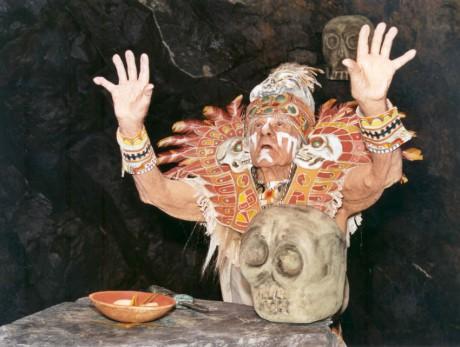 V roli šamana v 2. dílu Maska šéfa TV-seriálu Dušana Kleina Strážce duší (2005). FOTO LENKA KORDULOVÁ