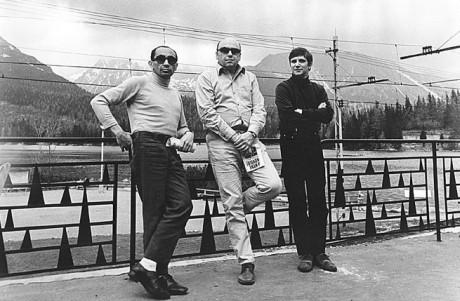 Milan Schulz, režisér a hudební skladatel Karel Mareš a Jiří Suchý v Tatrách (60. léta). Snímka archív Jiřího Suchého