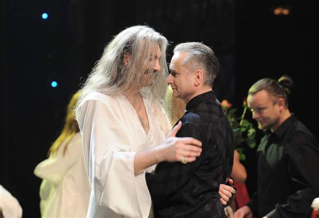 S Danielem Hůlkou na obnovené premiéře Draculy v Divadle Hybernia5. 2. 2009. FOTO archiv