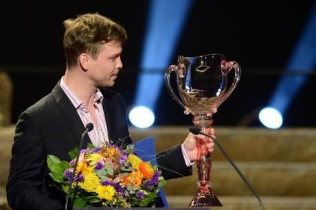 Marek Holý převzal Cenu Thálie 2013 v oboru opereta, muzikál a jiné hudebnědramatické žánry.