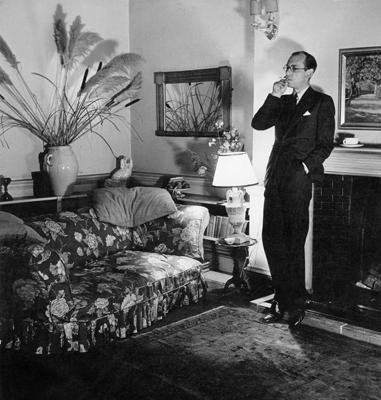 Patrick Hamilton ve svém londýnském bytě v Albany během 2. světové války. FOTO archiv