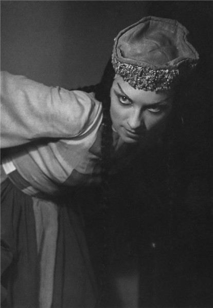 Polovecké tance - 28.03.1946 Naděžda Sobotková (Polovecká dívka). FOTO archiv ND