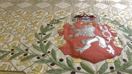 Textilie z královské lóže. FOTO NM