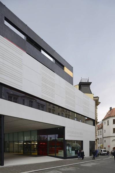 Divadlo na Orlí, scéna Janáčkovy akademie múzických umění v Brně byla vyhlášena Stavbou roku 2012 Jihomoravského kraje. FOTO archiv