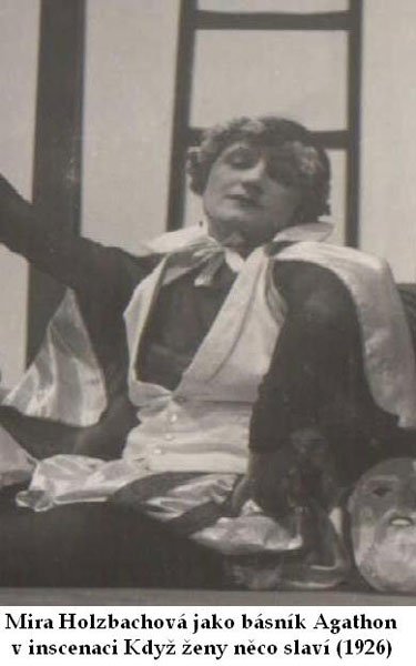 Míra Holzbachová v Osvobozeném divadle. FOTO archiv NM Praha