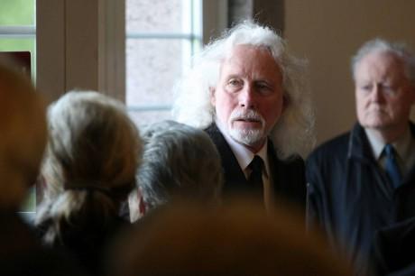 Ředitel Centra experimentálního divadla Petr Oslzlý pronášel řeč na rozloučenou. FOTO ATTILA RACEK