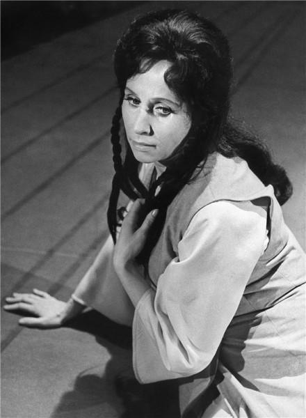 Jako Liu v Pucciniho Turandot (r. Karel Jernek, prem. 6. 5. 1967, ND Praha) FOTO JAROMÍR SVOBODA