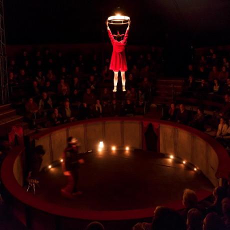 Představení začíná... FOTO RAYNAUD DE LAGE