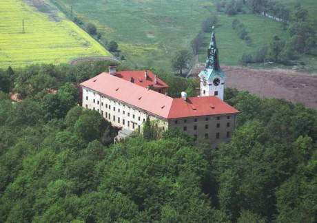 Zelená hora, slavné sídlo mnoha šlechtických rodů, ve středověku několikrát přestavěné i vypálené. FOTO archiv