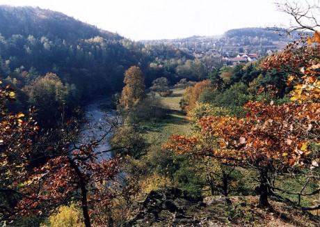 Na skalnatém ostrohu vysoko nad tokem Horní Berounky. FOTO archiv