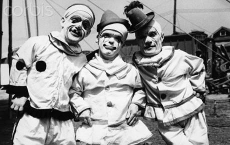 Tři klauni-trpaslíci, zač. XX. století. FOTO archiv