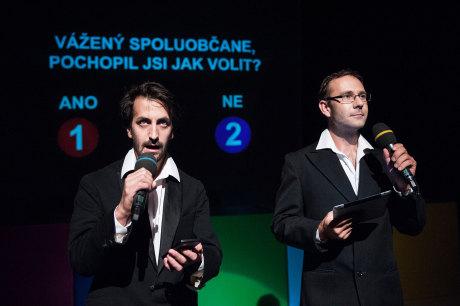Jakési volby nanečisto - především pro dětského diváka - připravilo pražské Divadlo Minor v inscenaci Demokracie. FOTO archiv Divadla Minor