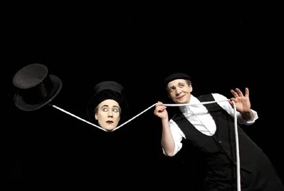 Alexandr Neander a Wolfram Bodecker - francouzsko-německá dvojice, která se přiznaně hlásí k odkazu Marcela Marceaua. FOTO ARCHIV
