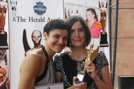 Andrea Opavská a Jana Vébrová získaly Total Theatre Award. FOTO archiv České centrum