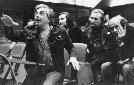 Jurij Ljubimov režírující (Divadlo Na Tagance, 70. léta). FOTO archiv