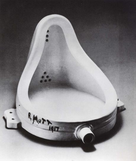 Marcel Duchamp: Pisoár, 1916-17. Repro archiv