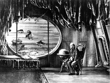 V roli profesora Thomase Rochaa ve Vynálezu zkázy (r. Karel Zeman, 1958). FOTO archiv