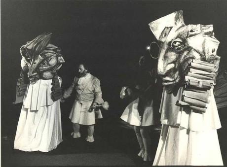 Z inscenace Popelka Ivy Peřinové v Naivním divadle Liberec (r. M. Schartová, prem. 19. 3. 1194). FOTO JOSEF PTÁČEK