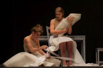 Představení mně připadalo jako umně uháčkovaná krajka směřující obrazci ke svému středu. FOTO archiv Marta