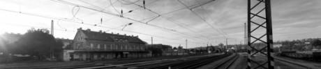 Samotné nádraží ukrývá příběh místa, ze kterého bylo deportováno na 50 000 židovských občanů Prahy do koncentračních táborů. Repro archiv Památník ticha Bubny