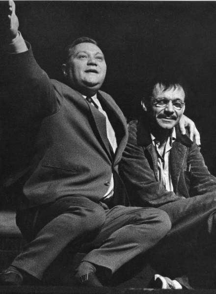 Rudolf Hrušínský a Josef Kemr v inscenaci hry M. Schisgala A co láska? (r. Miroslav Macháček, prem. 1. 10. 1965). FOTO archiv J. Hrušínského