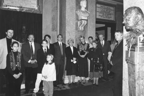 Odhalení busty Rudolfa Hrušínského ve foyer ND 17. 10. 1996. FOTO archiv J. Hrušínského