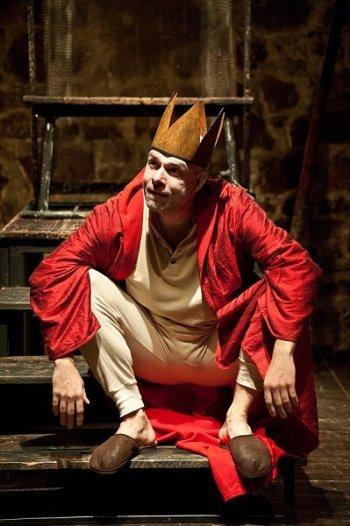 Viktor Skála hrál svého Bérengera I. virtuózně. FOTO archiv Divadla U stolu