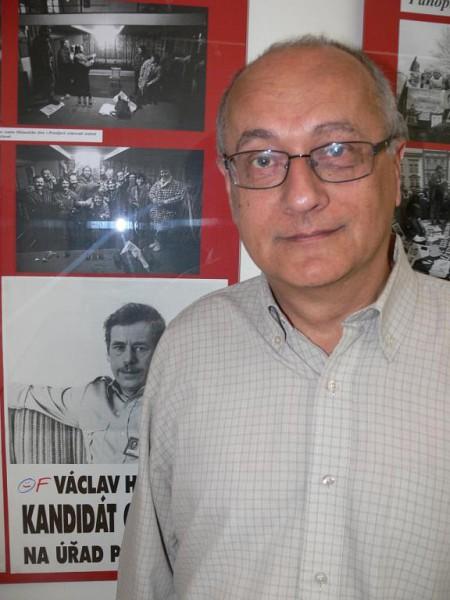 Během vernisáže Sametová revoluce na Prostějovsku v Muzeu Prostějov v říjnu 2009. FOTO archiv Prostějovského deníku