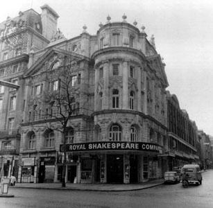 Londýnské The Aldwych Theatre, do roku 1982 domovská scéna The Royal Shakespeare Company. FOTO archiv
