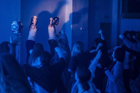 Supernaturální hrdinové Martina Hajdyla Lacová a Stano Dobák na zahajovací párty roztančili dvě stě návštěvníků. FOTO RADEK HOLEŠ